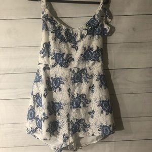 Forever 21 Plus White and Blue Lace Floral Romper